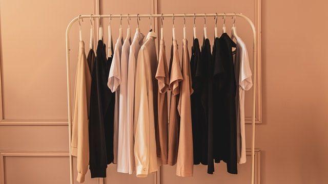 ミニマリストの服はシンプル8割・アクセン2割で揃えるのが〇